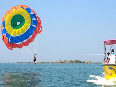 para sailing at chivla
